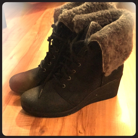 c193e2d19f0 UGG ZEA lace-up ankle boots, size 39